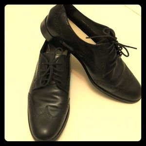 Gently used Leather Cole Haan Wing Tip Oxfords